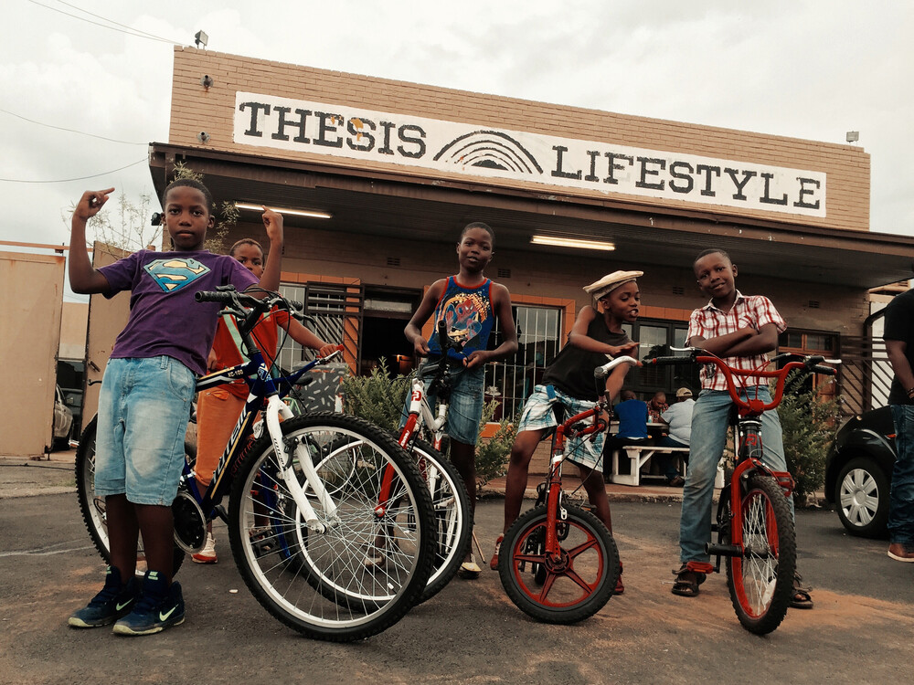 Lifestyle-Collage Soweto, curated by Anja Gerin